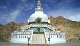 Upcoming_1311_76170081_large_shanti_stupa_leh